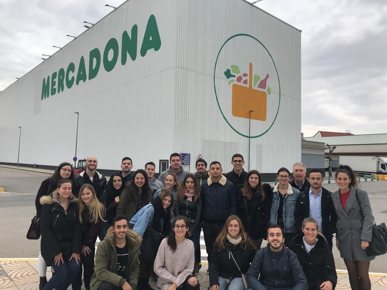 Visita al centro logístico de Mercadona en Ribarroja